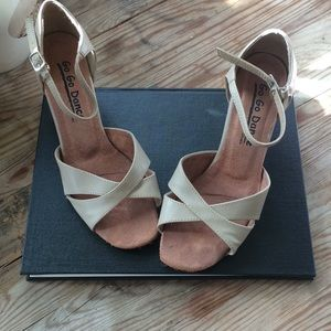 Buff leather latin dance shoes. 7.5-8.